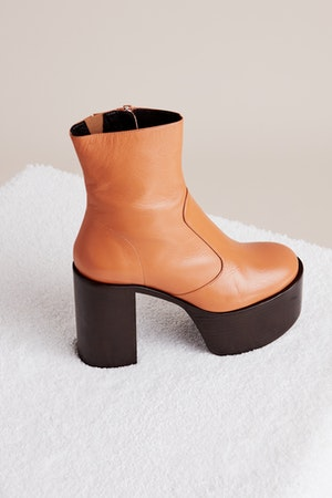 High Raid Boot in Toffee by Simon Miller - 2