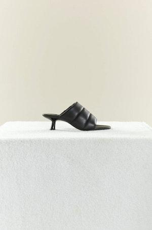 VEGAN LEATHER Tee Heel in Black by Simon Miller - 2