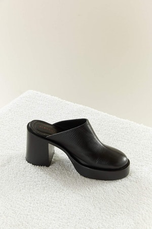 Low Raid Clog in Black by Simon Miller - 3