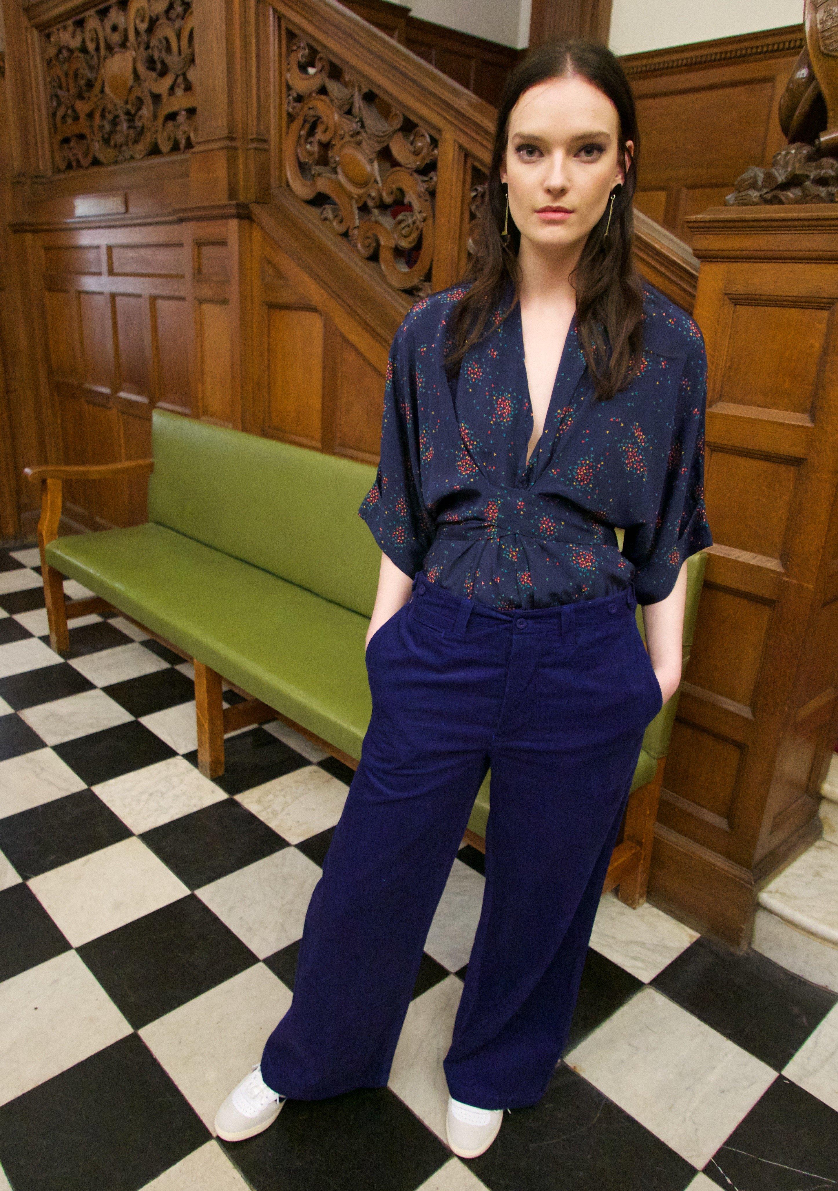 Gloria waisted blouse The Sky navy by Tallulah & Hope - 2