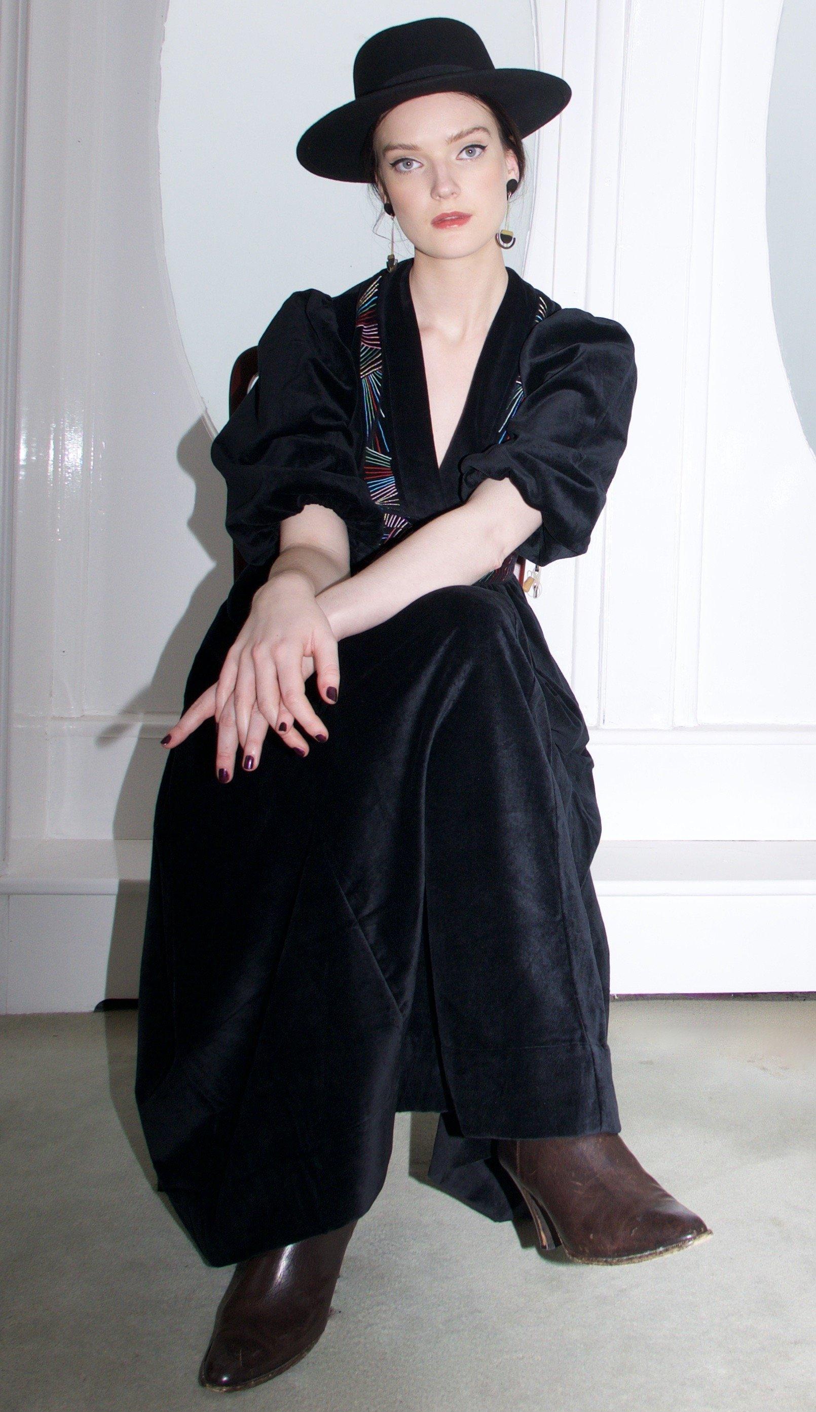 Lola dress black by Tallulah & Hope - 4