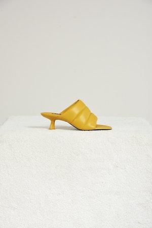 VEGAN LEATHER Tee Heel in Banana by Simon Miller - 1