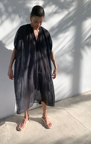 Black sheer caftan with drawstring-last one by Two - 4