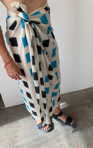 Ikat sarong with color block by Two - 4