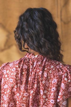 Carla Highneck Shirt ROSE FLORAL by Trovata - 2