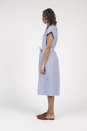 Classic Astrid Easy Dress BLUE/WHITE STRIPE by Trovata - 4