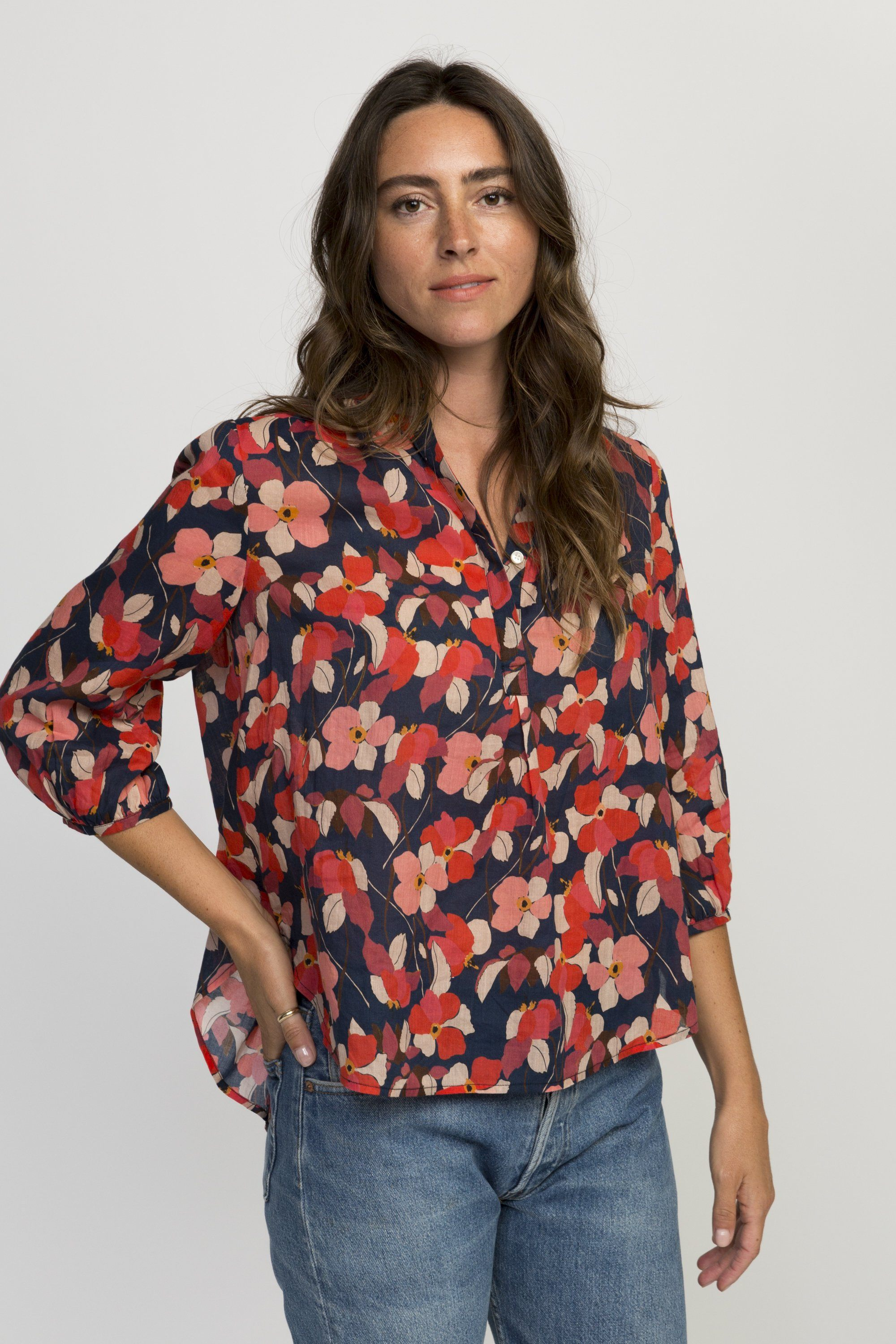 Sara henley shirt NAVY RED FLORAL by Trovata - 2