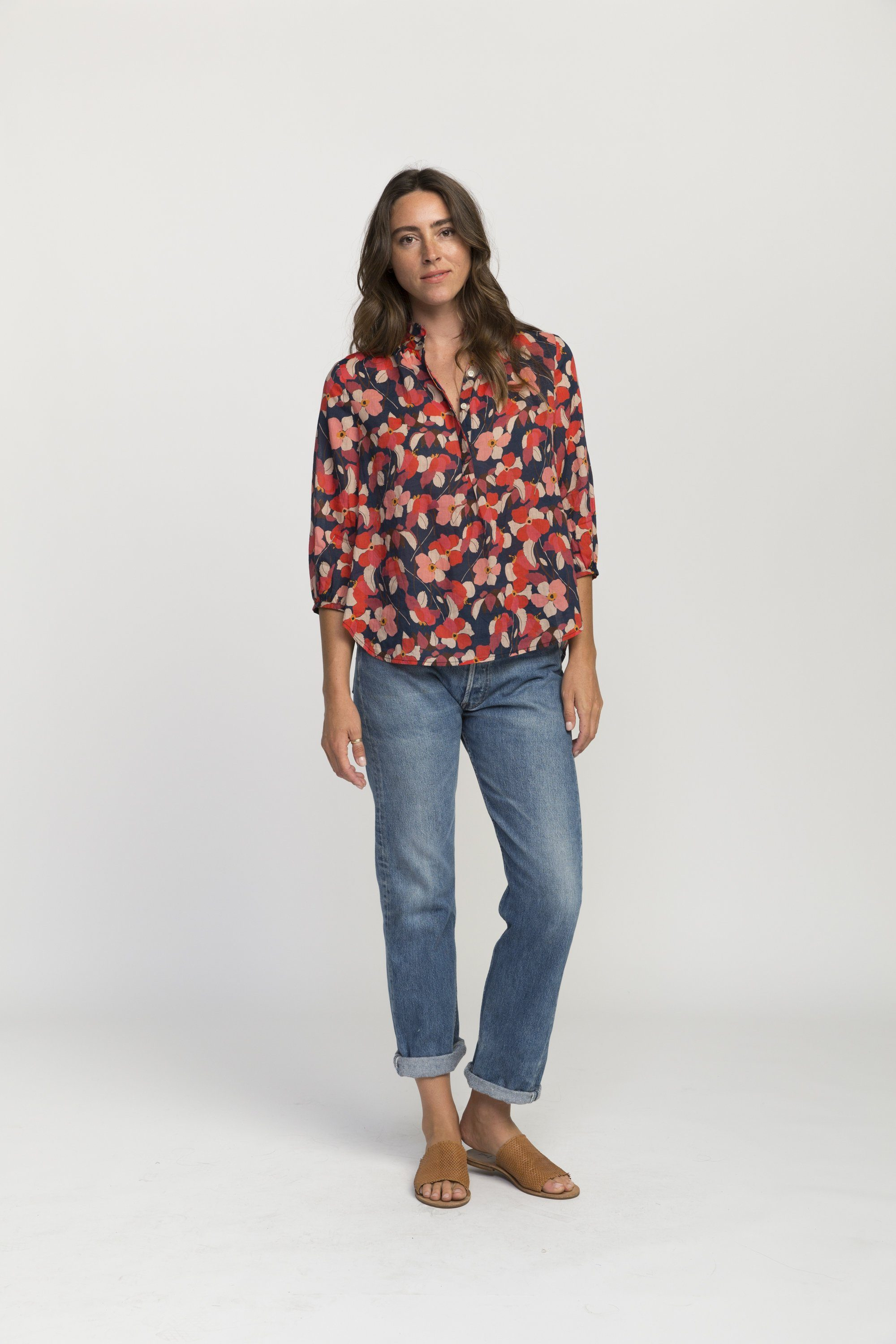 Sara henley shirt NAVY RED FLORAL by Trovata - 3