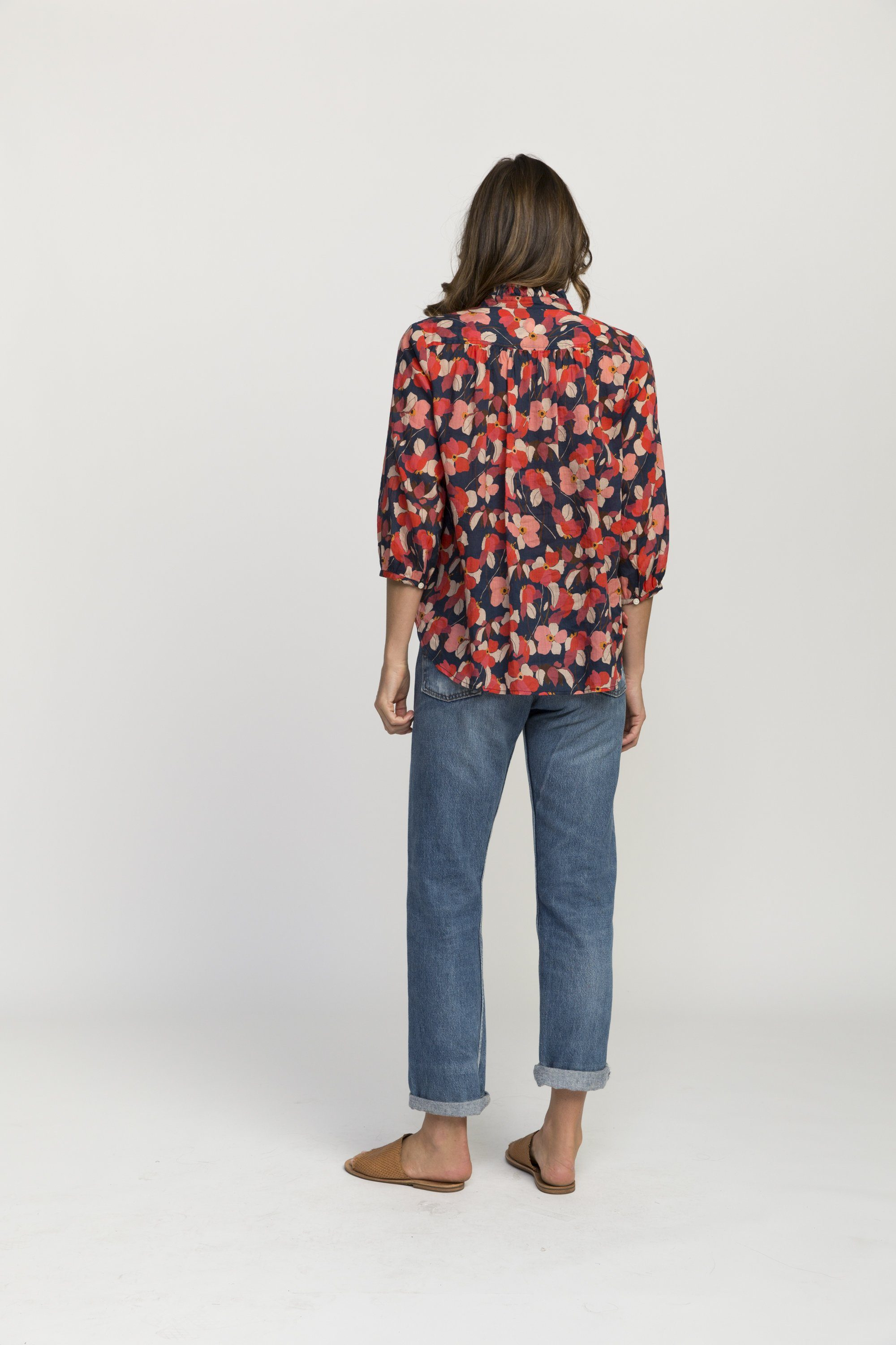 Sara henley shirt NAVY RED FLORAL by Trovata - 5