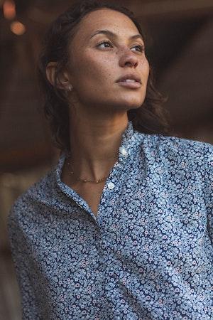 Sara Henley Shirt NAVY FLORAL by Trovata - 4