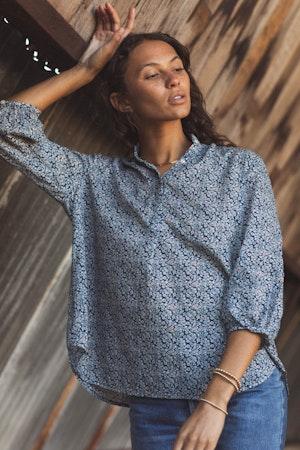 Sara Henley Shirt NAVY FLORAL by Trovata - 3