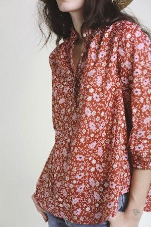 Sara Henley Shirt ROSE FLORAL by Trovata - 3