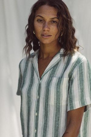 Margot S/S Camp Shirt GREEN AWNING STRIPE by Trovata - 2