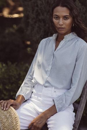 Sara B Henley Shirt BLUE PINSTRIPE by Trovata - 3