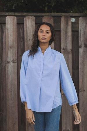 Sara B Henley Shirt BLUE/WHITE STRIPE by Trovata - 2