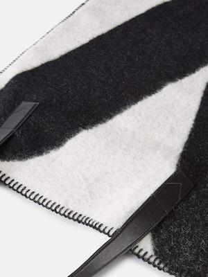 Blanket Tote Black by Vaara - 3