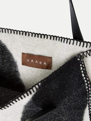 Blanket Tote Black by Vaara - 4
