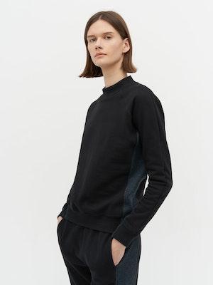 Rumer Organic Sweatshirt Black by Vaara - 2