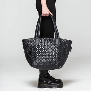 THE LEATHER TOTE by Vee Collective - 7