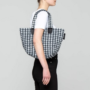 VEE TOTE - SMALL by Vee Collective - 2