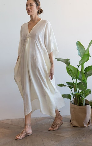 Natural white silk caftan by Two - 1