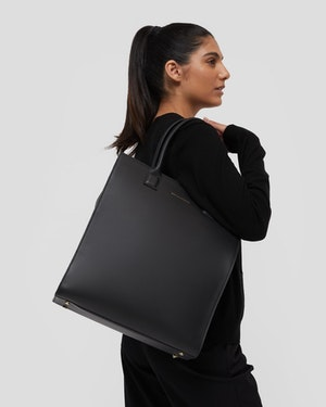 Aberdeen Leather Structured Tote by Want Les Essentiels - 3