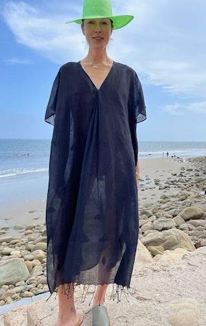 Black khadi caftan V-neck dress by Two - 2