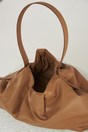 Vegan Puffin Tote in Toffee by Simon Miller - 3