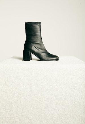 Low Mojo Boot in Black by Simon Miller - 1