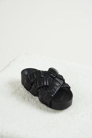 Vegan Criss-Cross Dip Slide in Black by Simon Miller - 2