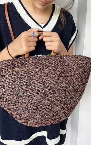 Raffia Auburn handbag by Two - 2