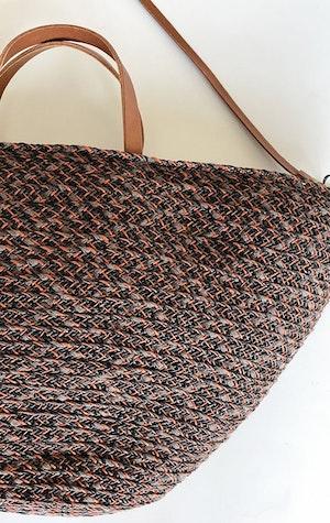 Raffia Auburn handbag by Two - 3