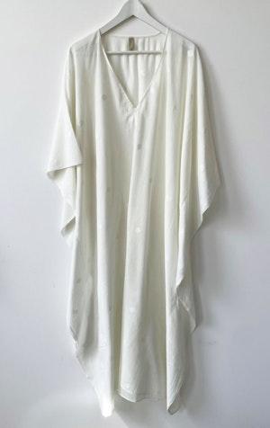 White Jamdani  V-neck caftan by Two - 1