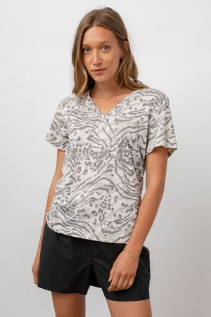THE CARA V NECK - SAND BENGAL by Rails - 2
